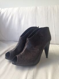 M&S Limited Collection size 6 grey shoe boots