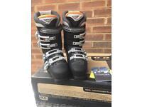 Salomon ski boots adult size 6
