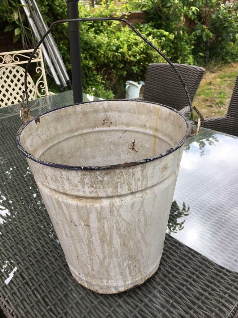 Vintage white and blue enamel bucketin Dorchester, DorsetGumtree - Vintage enamel bucket. Measurements H 30cmDiameter 28cmCollection from Dorchester Thanks for looking