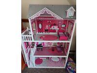 Isabelle dolls house