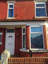 GOOD SIZE DOUBLE BEDROOM ROOMS £399 ALL BILLS INCL-CLOSE TO UNIVERSITIES OXFORD RD & TOWN BUS ROUTES