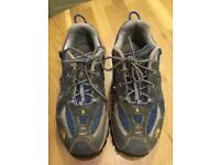 North face trainers size 4