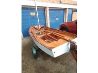 Small sailing boat with trailer, ready to go🌞
