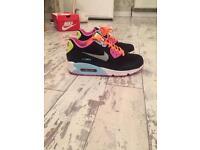 Nike Air Max 90 size 4