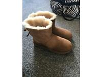 Mini bailey bow ugg boots