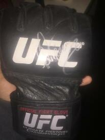 Alistair Overeem signed UFC glove