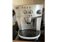 De'Longhi ESAM4200 Coffee Machine
