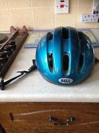 Cycle helmet (Cyclone)