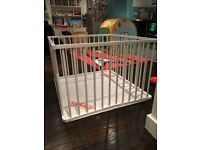 Combelle Fold-Up Playpen - In very good condition