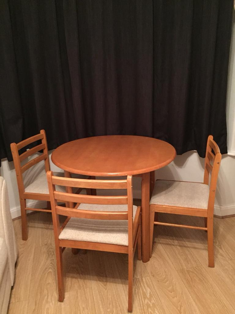 Sale Manchester 4000 Dining Table And Four Chairs