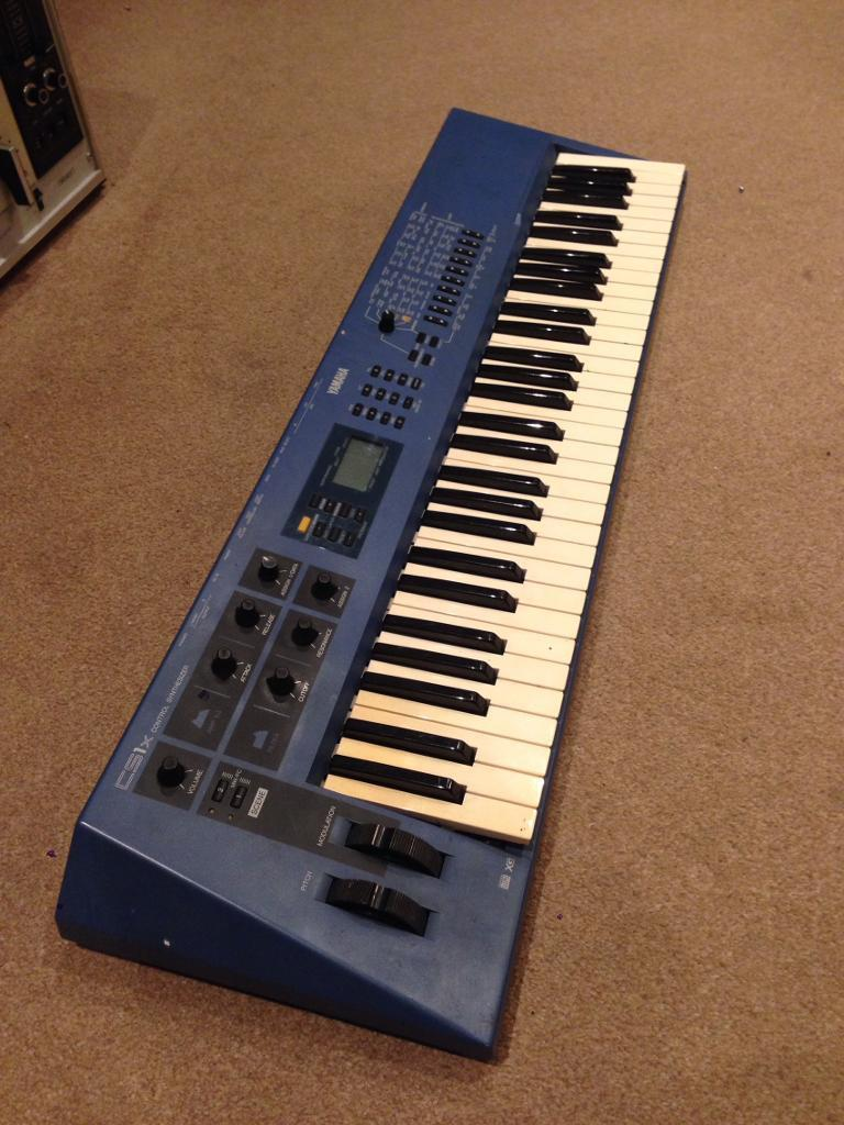 Yamaha cs1x control synthesizer in stratford london for Yamaha cs1x keyboard