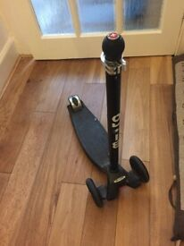 Micro scooter in black