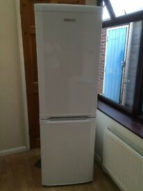 FROST FREE BEKO FRIDGE FREEZER IN GOOD WORKING CONDITION