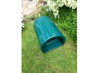 Cat Bed / Shelter outdoor, green, in good condition. RRP £49.50