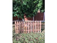 WOODEN PALES FOR SALE / ROUND TOP/POINTED TOP