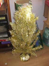 GOLD TINSEL XMAS TREE - lovely condition + free tinsel & plastic globes + lights