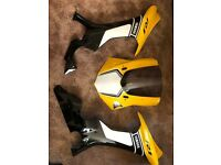 YAMAHA R1 2016 FAIRING PANELS 60TH ANNIVERSARY NOSE CONE WITH SCREEN 2 FAIRING PANELS