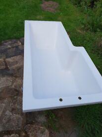 White L-shaped bath tub for sale