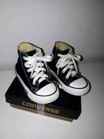 Kids size 6 high top converse