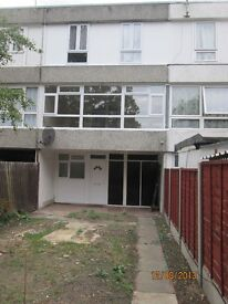 4 Bed Townhouse to Rent Erith DA18