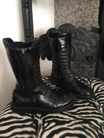 Girls Lelli Kelly Patent Leather Boots - UK13