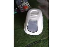 Enclosed cat litter tray (and more)