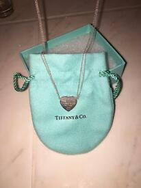 Beautiful Tiffany &Co. 2 chain necklace