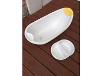 Childs bath for sale - pvc - clean and in good condition. Going South brand. 79x40x22 cm