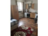 Studio Flat To Rent - Close to Denmark Hill Station