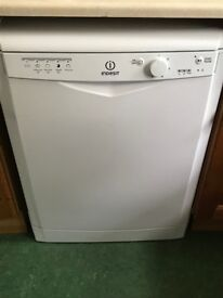 Indesit full size stand alone dishwasher - only 4 months old