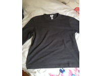 CALVIN KLEIN MENS GREY SWEAT TOP VERY NICE TOP .... SIZE MEDIUM