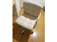 White desk chair Great Condition