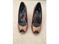 Kurt Geiger bronze metallic peep toe heels in size 4