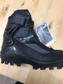 Brand new Salomon Ski Boots - GENTS