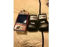 Boxing gloves 10oz worn once for gym