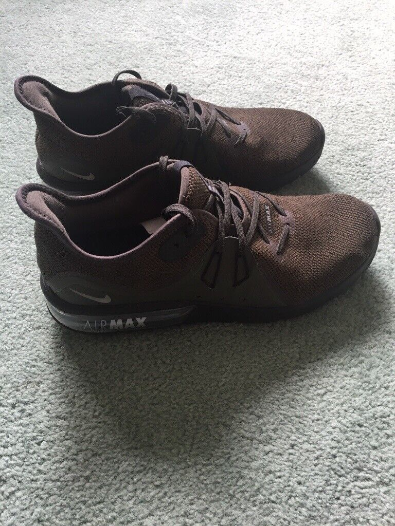 more photos 06af5 78b1a NIKE AIR MAX TRAINERS | in Wokingham, Berkshire | Gumtree