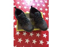 Walking boots size 5.5