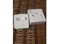Apple Earphone Earpods With Lightning Connectors MMTN2ZM/A