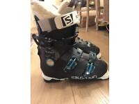 Salomon women's ski bootssize 5.5 to 6