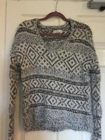 Abercrombie and Fitch fluffy jumper Size M/L (10/12)