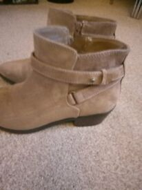 ladies suede boots.never been worn.as new.