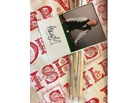 Steve Davis signed Cue with Signed Picture