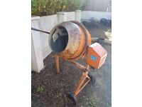 Cement mixer very good condition
