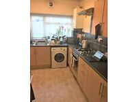 LARGE 4 BED HOUSE WITH 2 RECEPTIONS TO RENT IN SEVEN KINGS!! £1900PCM BILLS EXCLUDED!!