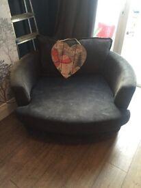 Snuggle swivel 2seater chair
