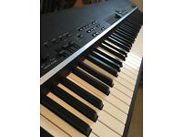 Yamaha CP4 Stage Piano - Fully Weighted Natural Wood Keyboard, Complete with Official Softcase