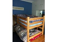 Single-sized Pine Bunk Beds