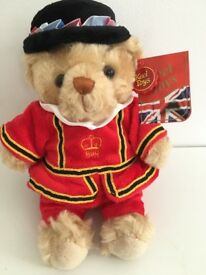 As New with Tags London Beefeater Bear 21cm