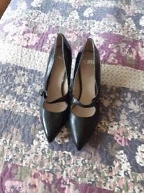 Ladies faith shoes