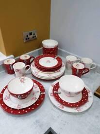 Unused 24 Piece Dotty Rose Crockery Set